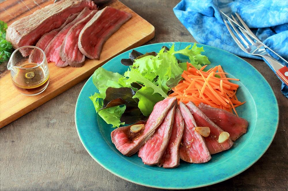 牛肉 の タリアータ